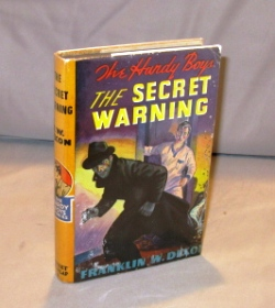 The Secret Warning. Number 17 in the series. Hardy Boys, Franklin W. Dixon.